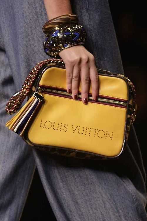 LOUIS VUITTON / LV~