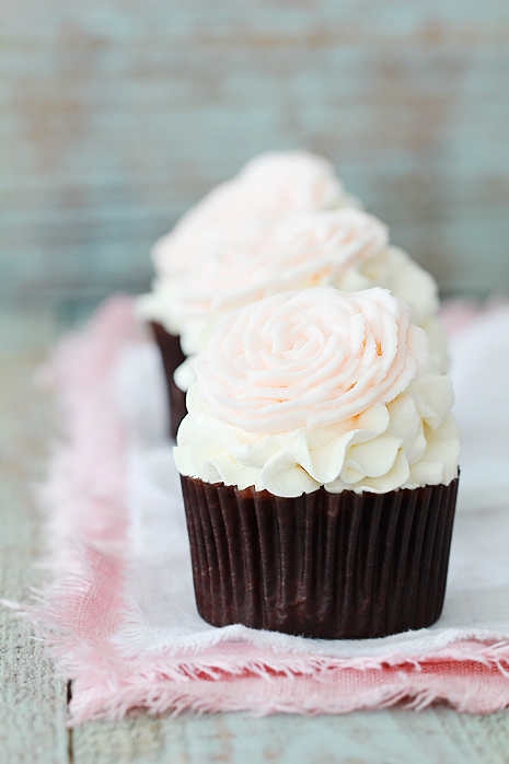Valentine's Rose Cupcakes | Bakers Royale