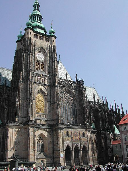 ファイル:St Vitus Cathedral from south.jpg - Wikipedia