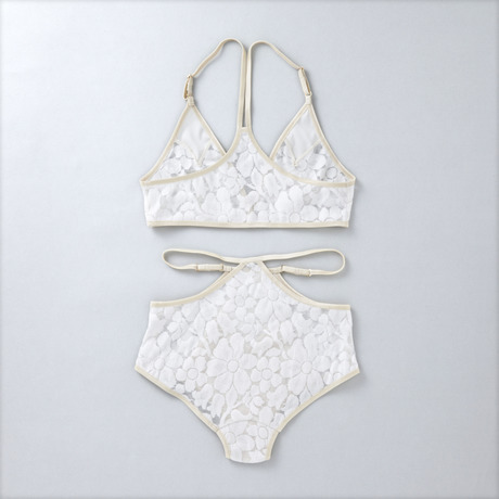 ヤーチャイカ for GIRLIN' ::: PUNK LOVE ::: Bra & Panty Set (GIRLIN' WHITE) | GIRLIN' SHOP