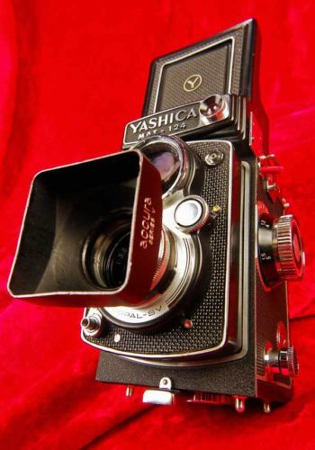 RARE DREAM TWIN LENS REFLEX TLR CAMERA SYSTEM Yashica Mat 124 6x6 2 1/4"