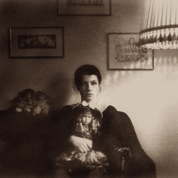 Goldmund-The-Malady-Of-Elegance.jpeg 600×600 ピクセル