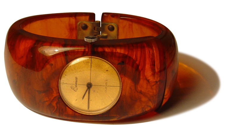 Galleries / Product Design / Backelite - Bakelite Watch, 1930s | Fubiz™