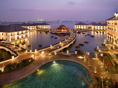 InterContinental Hotels & Resorts | HANOI WESTLAKE | Amenities and Services