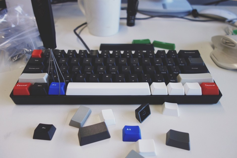 9:01 pm — poker2 with WASD keycaps, before and after (*v_v)/