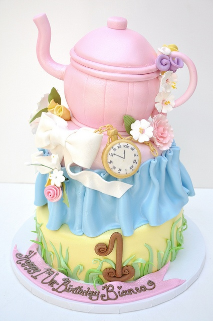 BIRTHDAY GIRL / Tea party cake