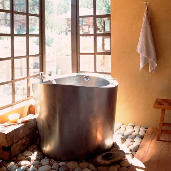 Interior Design and Decoration: Japanese Bathtubs