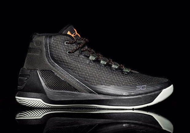 Curry 3 Black Gold | SneakerNews.com