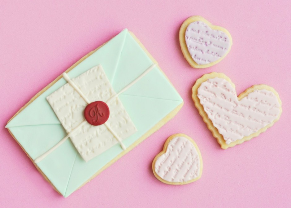 Sweetapolita – Love Letter & Scripted Heart Cookies