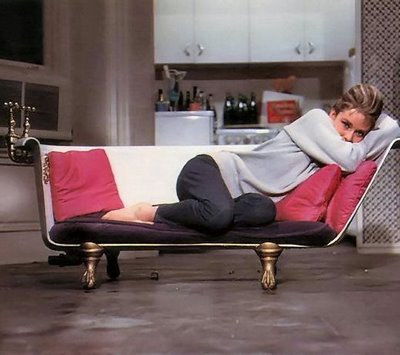"3LambsStudio: ""Breakfast at Tiffany's"" Bathtub Couch"