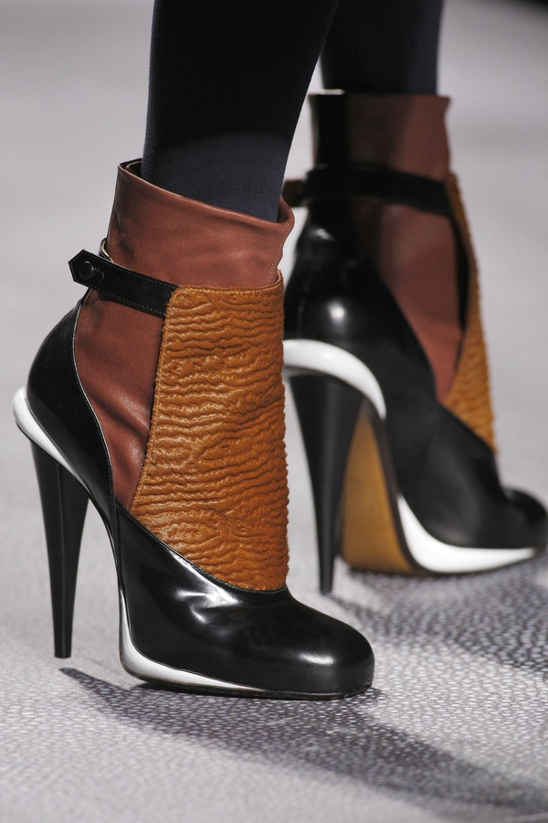 FENDI / FENDI Fall Winter 2012-13 Look 06 Close Up