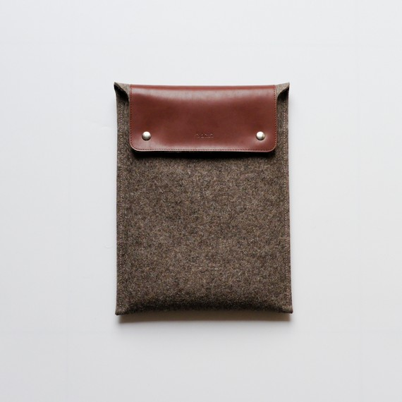Etsy Transaction - 11 Inch MacBook Air Sleeve Stone Brown Wool Felt and Brown Leather - Laptop Sleeves by rib & hull on Etsy