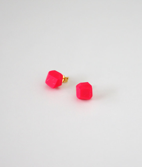 hot pink geo earrings by amerrymishap on Etsy