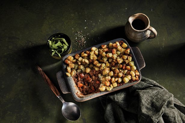 Iceland is selling a Luxury Pigs in Blanket Mac & Cheese and it looks delicious - Mirror Online