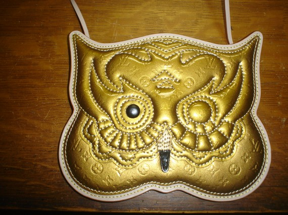 Etsy の LOUIS VUITTON INSPIRED OWL PURSE by stendahl