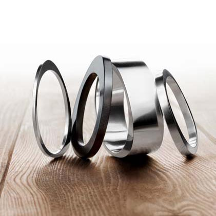 Georg Jensen extends The EXTRA Bangle Collection
