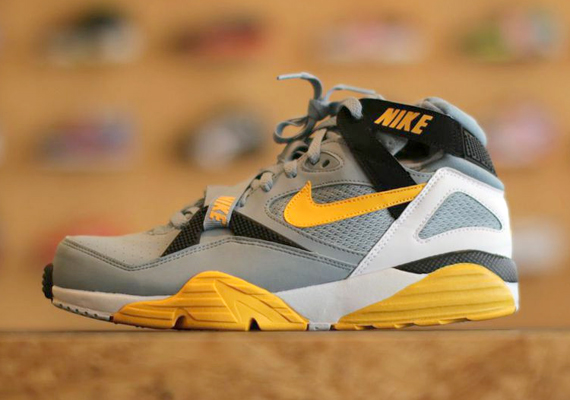 AIR TRAINER MAX 91 gry stone/m.yel-blk