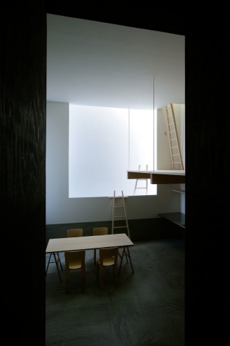 Rectangle of Light / Jun Igarashi Architects | ArchDaily