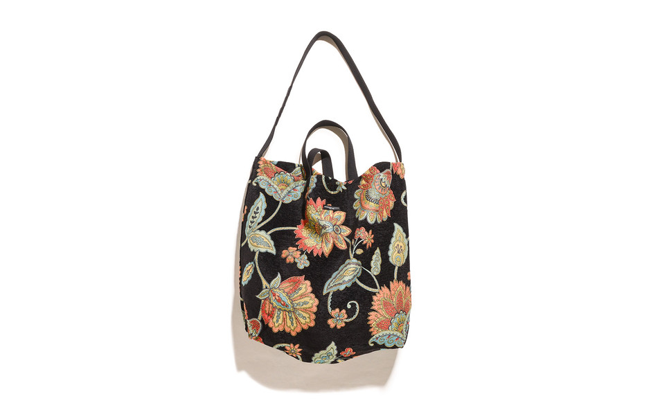 Carry All Tote-Rug Jacquard-Black Floral