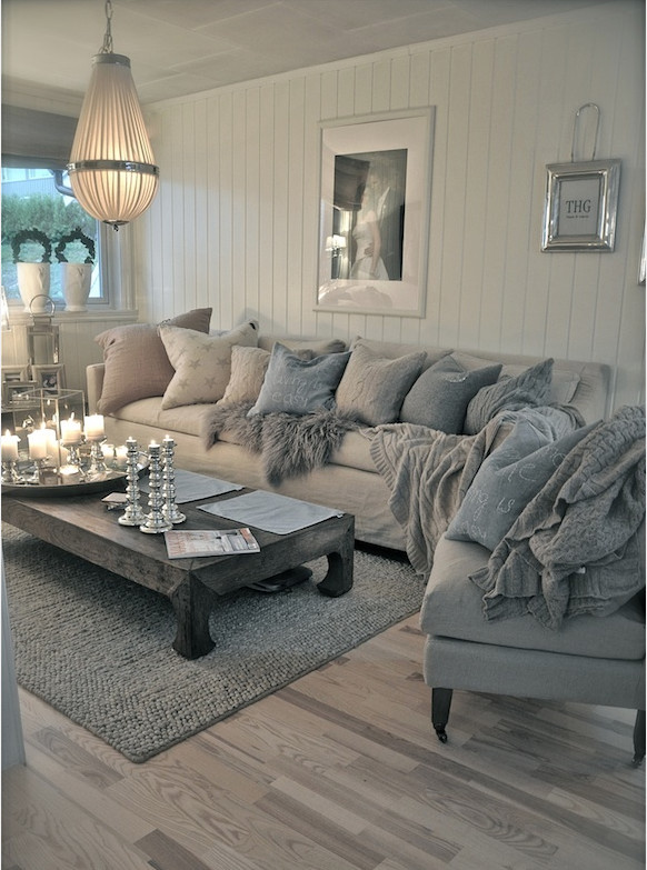 D.A.M.E — Love a good comfy couch to relax on :)
