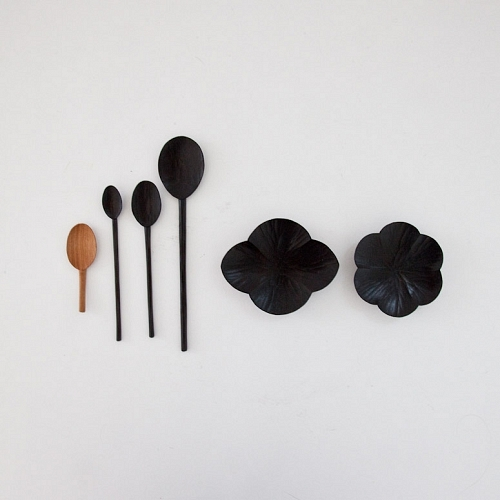 Mjölk : Black lacquered wooden spoon - Black lacquered spoon