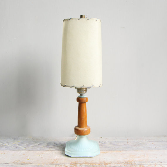Etsy の Vintage Mid Century Glass and Wood Lamp with by ethanollie