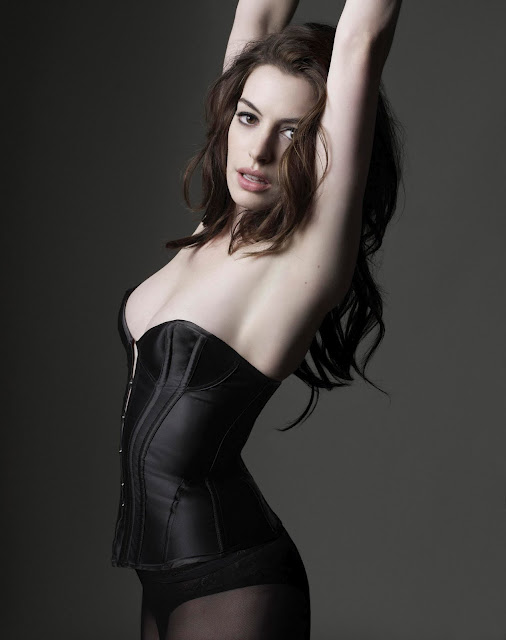 Anne Hathaway by Mark Seliger for GQ UK, March 2010 - Ananas à Miami
