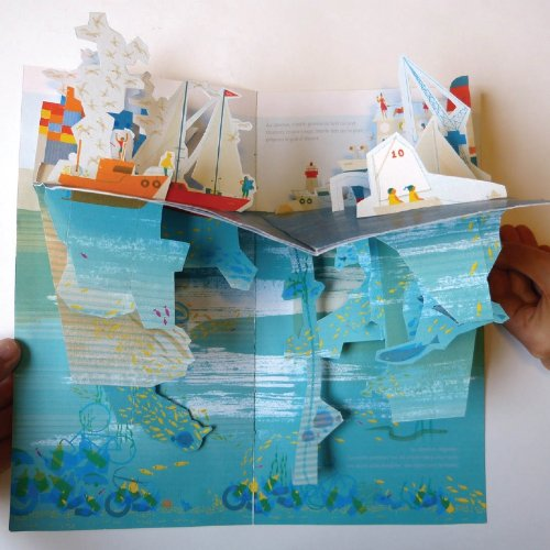 Under the Ocean (Pop Up Book):Amazon.co.jp:洋書