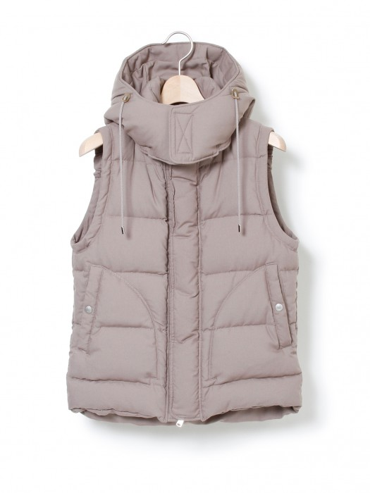 nonnative » HIKER HOODED DOWN VEST – P/R TWILL