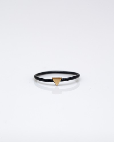 Need Supply Co. / Stone & Honey / Tiny Triangle Ring