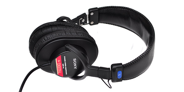 ProductWiki: Sony MDR-V6 - Over-Ear Headphones