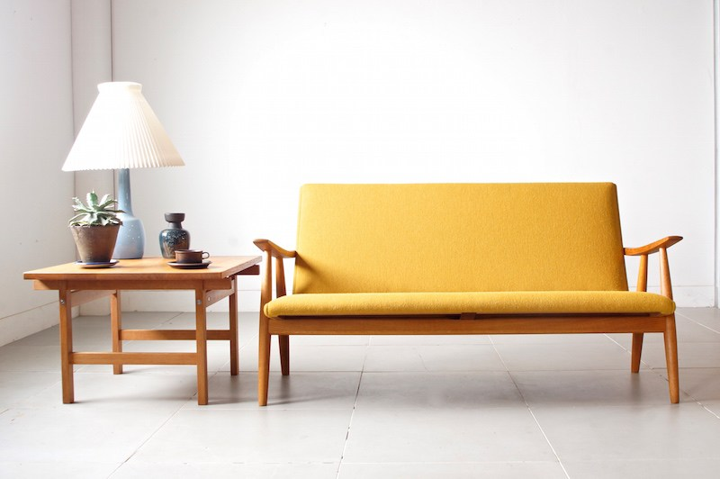 Bellbet | GE260 sofa by Hans J. Wegner