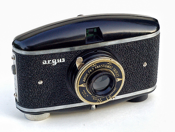 37-vintage-cameras-a-buyer-s-guide-for-photographers-argus-model-m.jpg 580×440 ピクセル