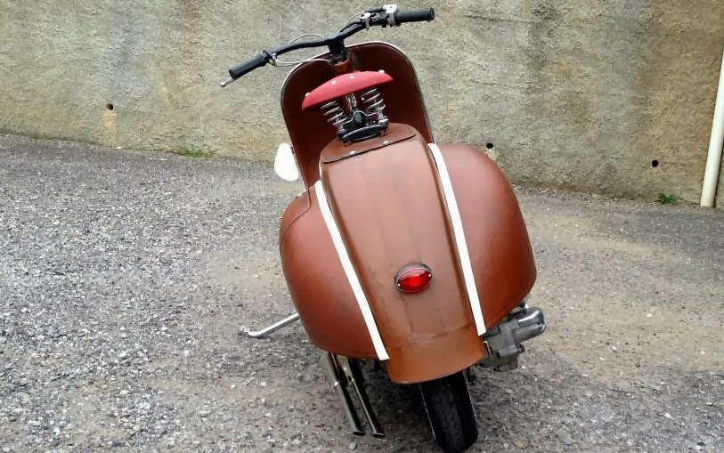 "RocketGarage Cafe Racer: Vespa Project ""50 sfumature di ruggine"""