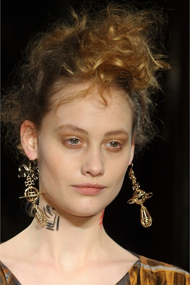 Vivienne Westwood Red Label - Collections Fall Winter 2012-13 - Shows - Vogue.it on we heart it / visual bookmark #23490721