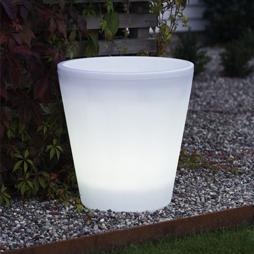 Assisi LED Planter Is A Gardening Pot That Doubles As A Lamp