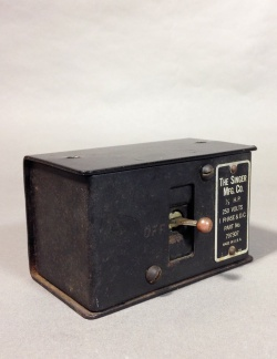 1920-30's【The Singer Mfg Co.】Toggle Switch Box - FUNNY SUPPLY