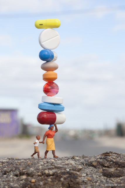 Little People - a tiny street art project: Balancing Act