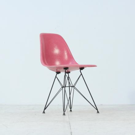 Buy 1950s Eames Original Fibreglass DSW Chair | Vintage Seekers