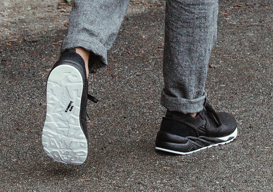 Wings+Horns New Balance 580 Deconstructed | SneakerNews.com
