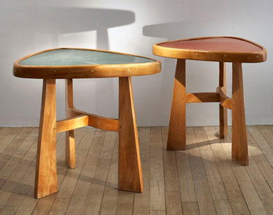 Charlotte Perriand,Tables Triangulaires «Doron» - Galerie Downtown