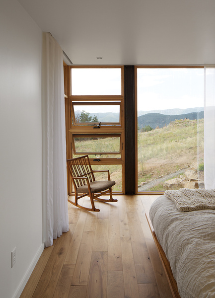 Slideshow: Sustainable Retreat on a Fire-Devastated Site in Boulder | Dwell