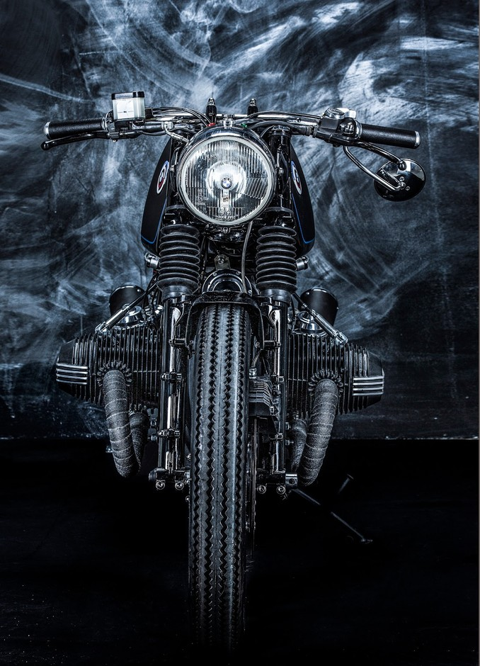 RocketGarage Cafe Racer: BMW R65 from Hungary.