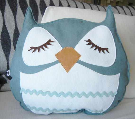 Mosby the Owl Vintage Inspired Wool Olive Felt Applique by Cuore