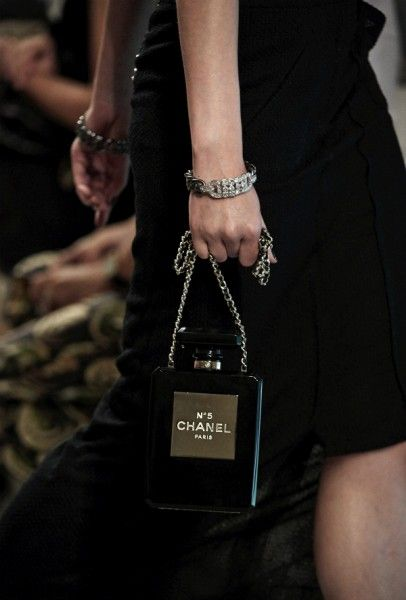 CHANEL / Chanel No 5-shaped Minaudiere