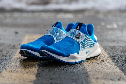 a-first-look-at-the-fragment-design-x-nike-sock-dart-photo-blue-1.jpg 780×519 ピクセル
