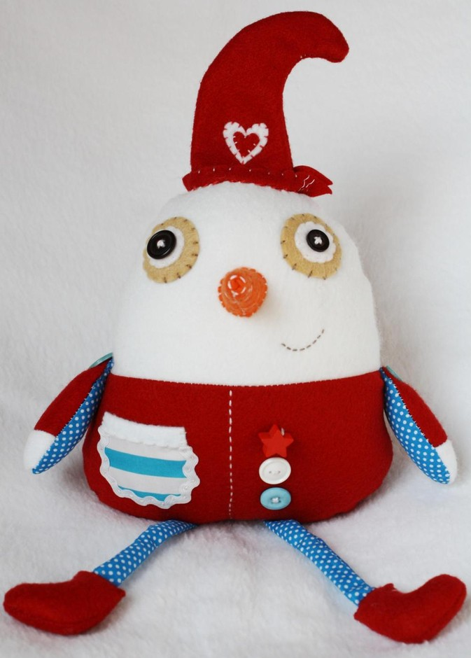 BOObeloobie Slushy The Snowman In Red, Blue And White With An Orange Carrot Nose   Luulla