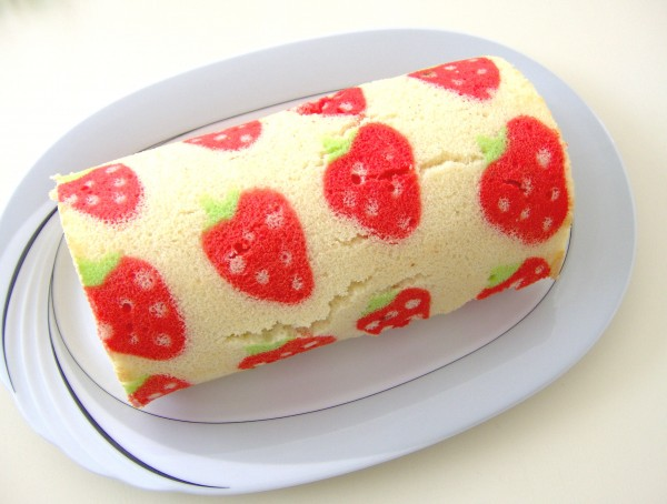 How to Make a Decorated Swiss Roll Cake Tutorial on Cake Central