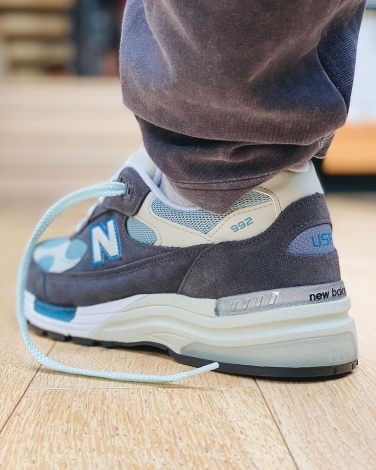 """Ronnie Fieg Teases OG 1300-Inspired """"Steel Blue"""" New Balance 992 - HOUSE OF HEAT 