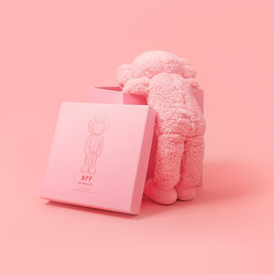 @kaws - Instagram:「BFF (pink) will release tomorrow at noon on KAWSONE.com #KAWS #BFF」